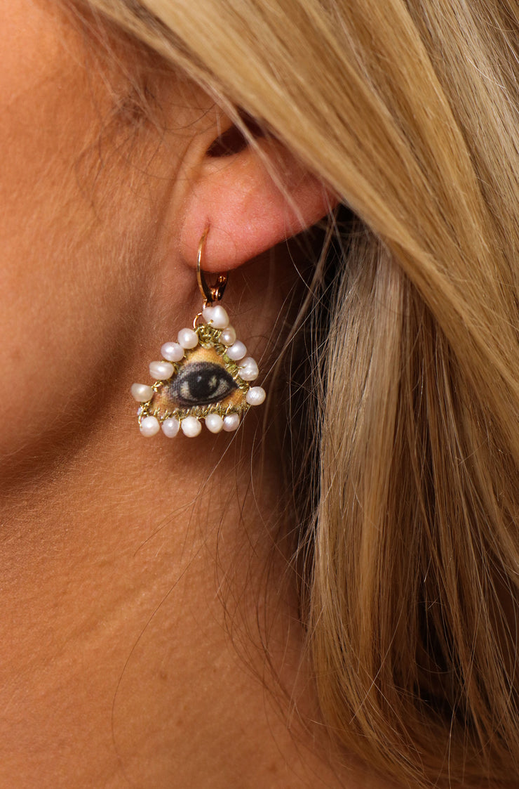 Eye Of Pearl Earring