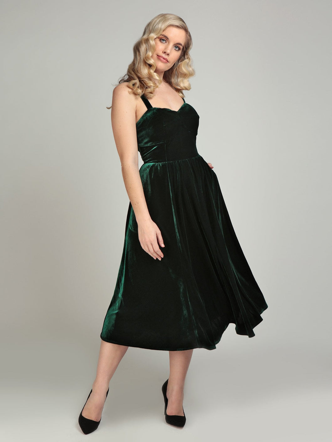 Collectif Pacey Velvet Midi Dress Green