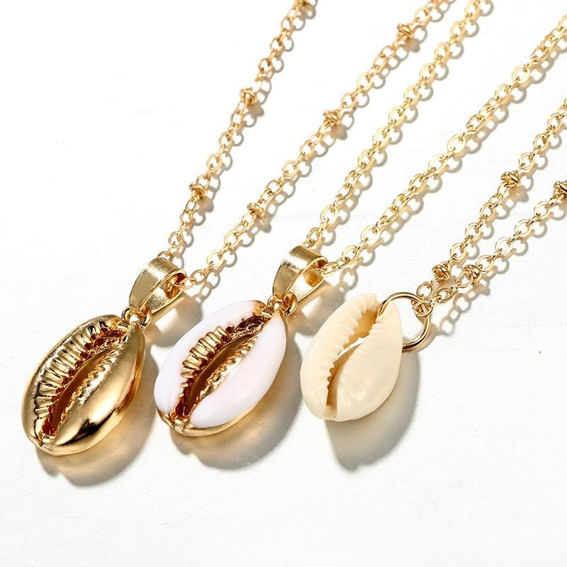 Ari's Shell Gold Pendant Necklace