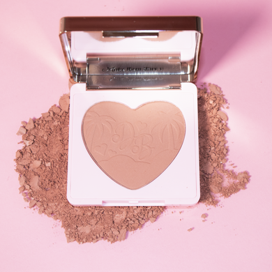Doll Beauty Pretty Fly Blusher - Give Us Beauty