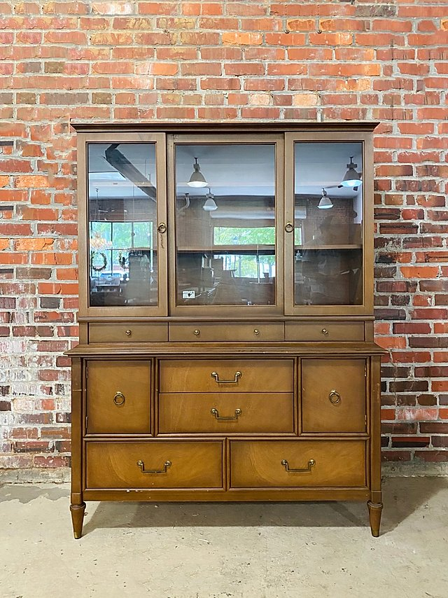 Glass Door Hutch (Price Includes Customization)