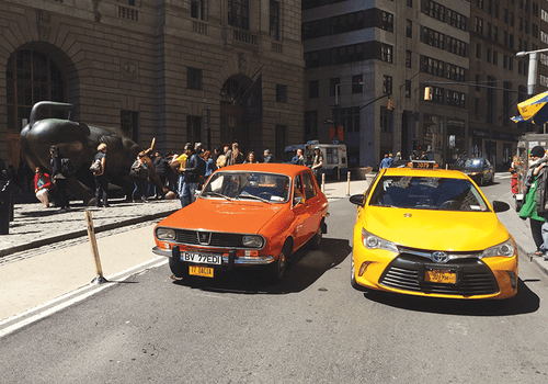 Photo Transport: Dacia 1300 on Wall Street - top quality approved by www.postcardsmarket.com specialists