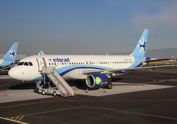 Photo Transport: Airbus A320-200 Interjet MEX - Postcards Market