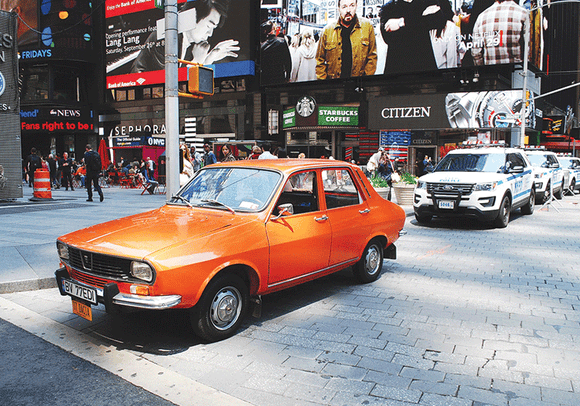 Photo Transport: Dacia 1300 - Adventures in New York - top quality approved by www.postcardsmarket.com specialists
