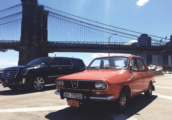 Photo Transport: Dacia 1300 & Brooklyn Bridge - top quality approved by www.postcardsmarket.com specialists