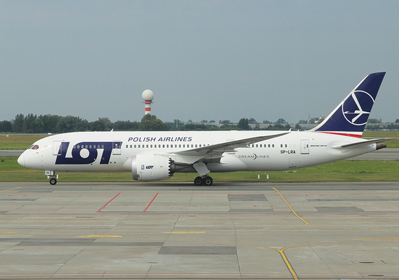 Boeing 787-800 LOT Polish Airlines WAW