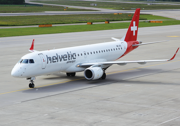 Photo Transport: Embraer 190 Helvetic ZRH (2) - angle view - Postcards Market