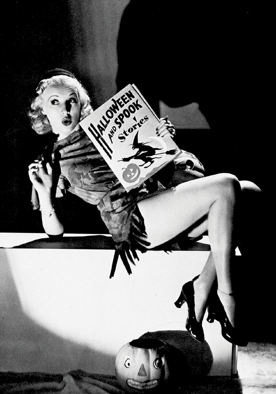 Vintage: Spook Stories (pin up)