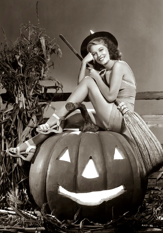 Vintage: Pumpkin Sofa (pin up)