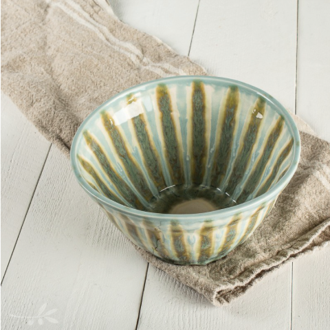 Good Earth Pottery Medium Serving Bowl