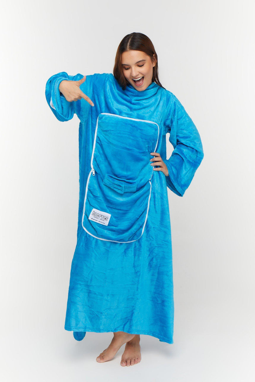 Travel Design No. 515 - Bleeves | Wearable Blanket with Sleeves
