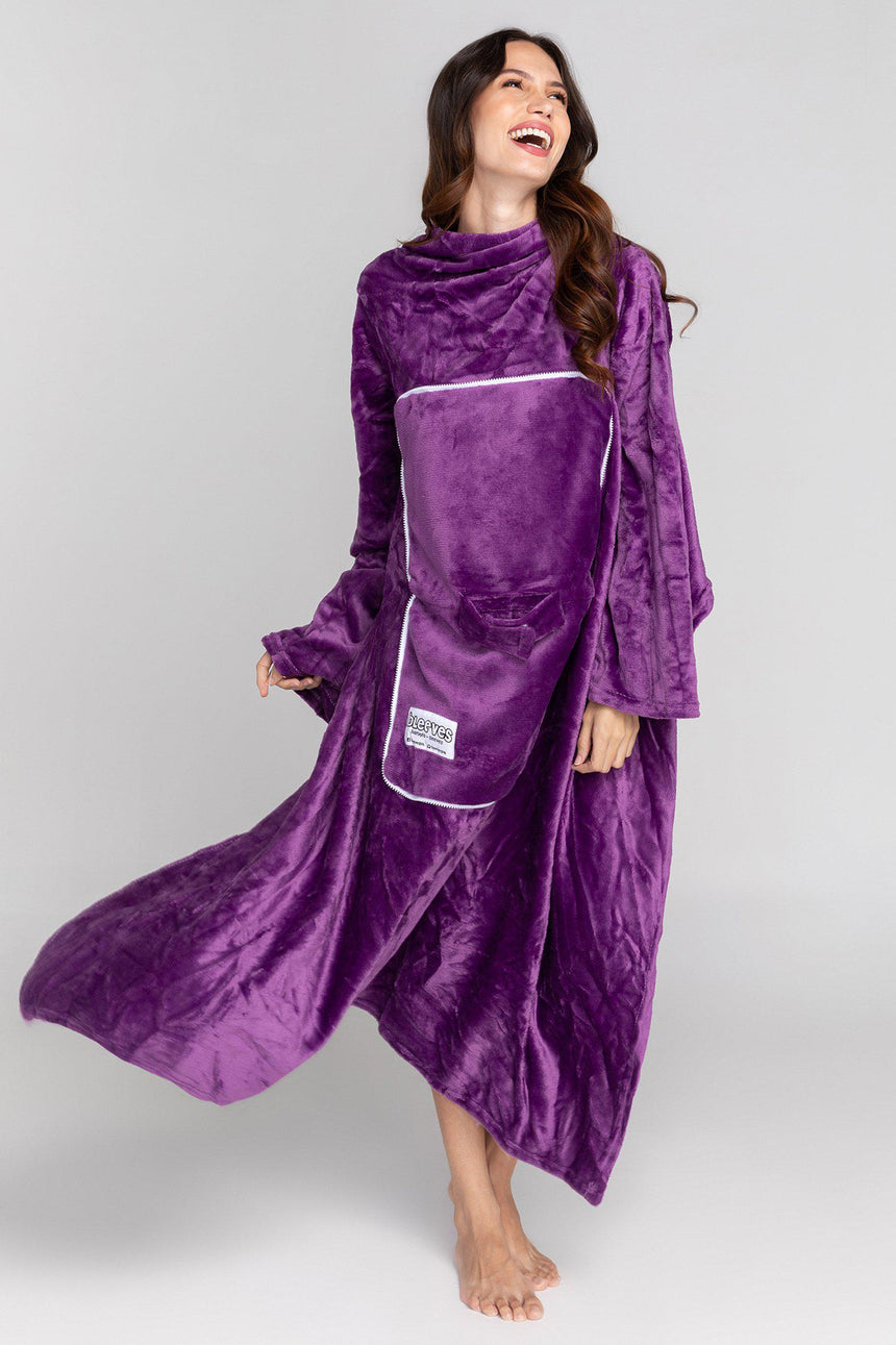 Travel Design No. 524 - Bleeves | Wearable Blanket with Sleeves