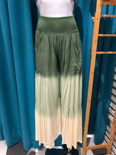 Load image into Gallery viewer, Green Ruffle Pants