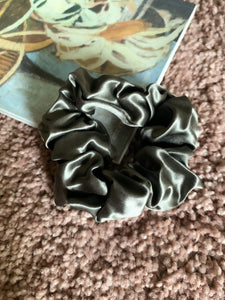Black Large Mulberry Hair Scrunchies
