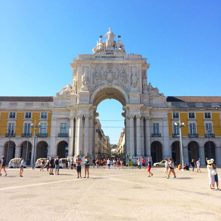 LIVING IT UP IN LISBON: Liquid Diet Edition