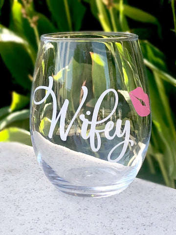 Bride gift ideas, Gift idea for Bride, Cute Gift for Bride, engagement gift idea, Wifey stemless wine glass, engagement gift, wedding glass