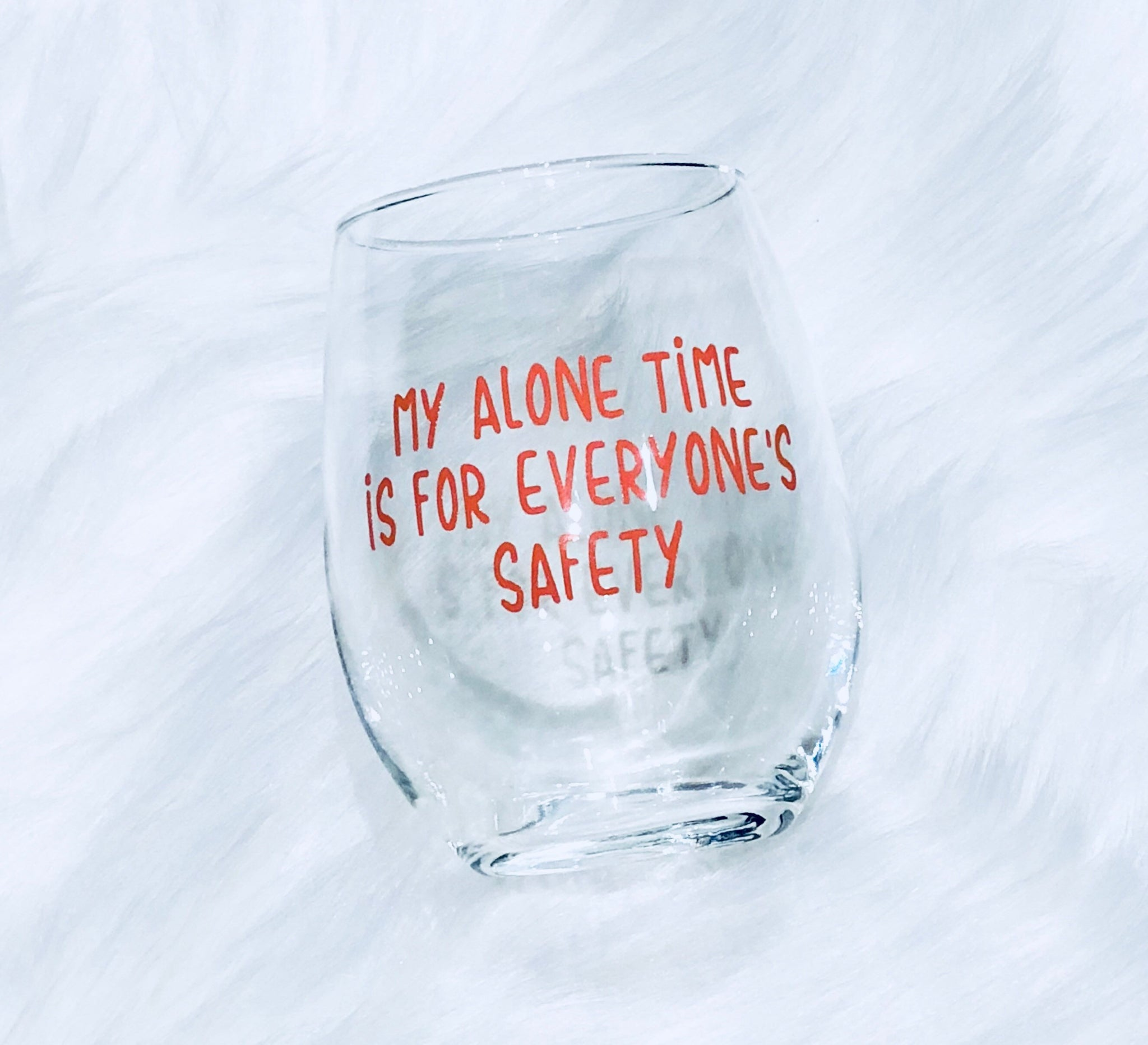 Funny wine glass, Funny wine gift, wine glass for moms, funny cocktail glass, cute gift for friends, mom group gift, gift for moms