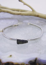 Load image into Gallery viewer, Labradorite Raw Cuff