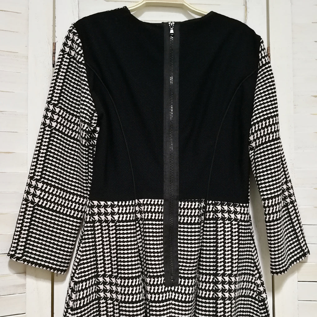 Sportmax dogtooth pattern dress with zip back details