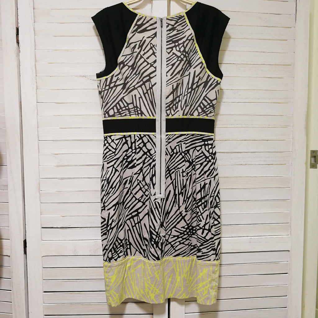 BCBG Maxazria abstract pattern shift dress