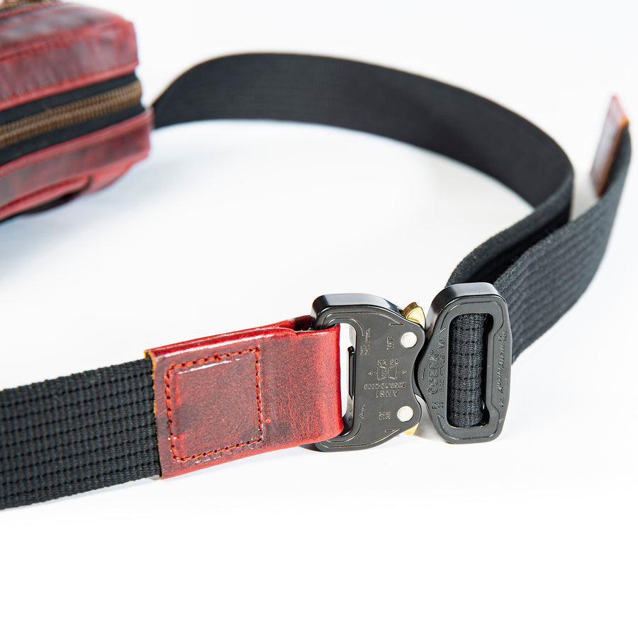 Close up of the new AustriAlpin Cobra buckle closure on the oxblood Kilo Bag