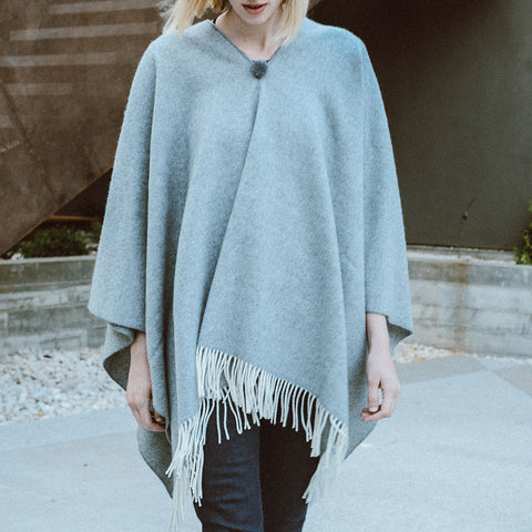 El Solitario Short Poncho - Light Grey