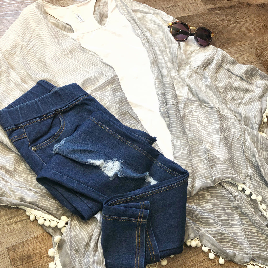 Distressed Pull on Jegging