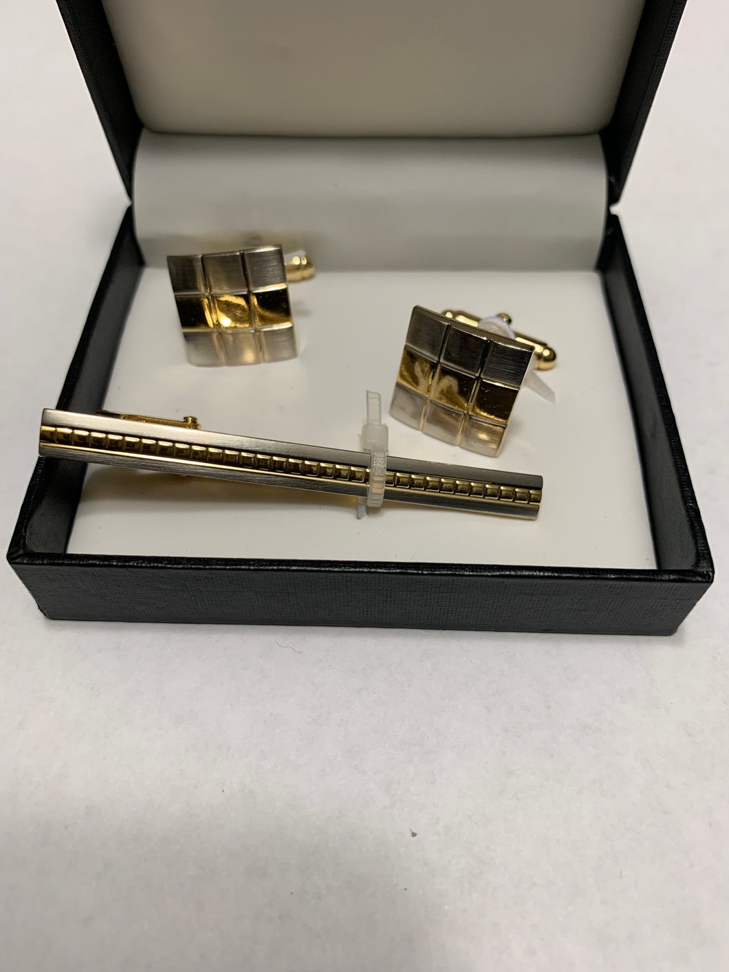 Gold Cufflinks and Tie Bar Boxed Set