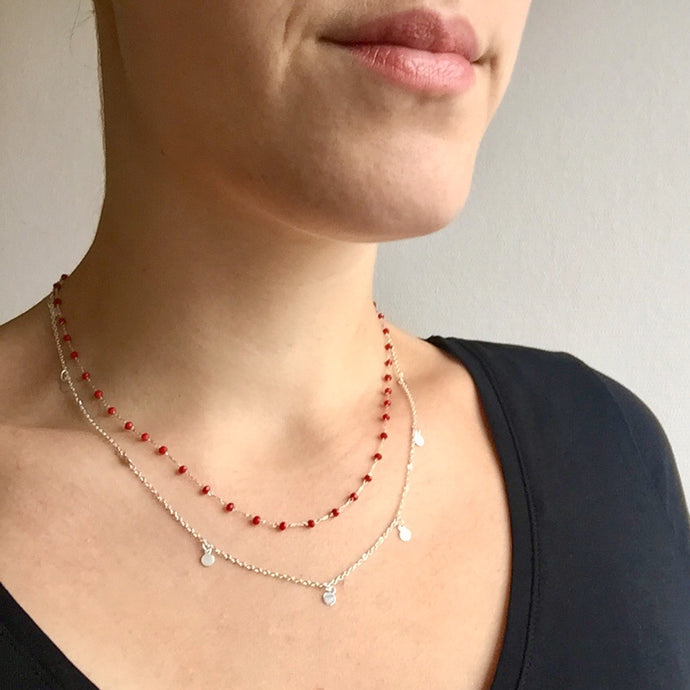Collier double rang argenté perles rouges