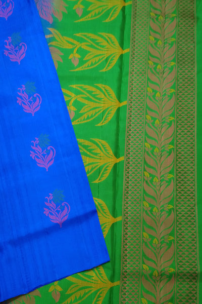 Fasnic.com Borderless Pure Soft Silk Saree - Blue & Green - Floral Design. Unstitched blouse attached