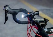Load image into Gallery viewer, WOSAWE USB Rechargeable Bike Light LED 800 Lumen Bicycle