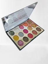 Load image into Gallery viewer, Miss Rose 15 Colours Eyeshadows Kit