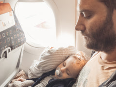 9 THINGS I BRING ON THE AIRPLANE WHEN I AM FLYING WITH MY TODDLER