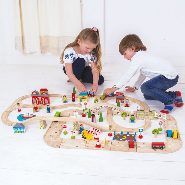 City Road and Railway Set from Bigjigs