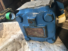 Load image into Gallery viewer, Eaton Hydraulic Vane Pump 35VCOA 1A22R P1C8SMP 015636 HY 510132