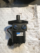 Load image into Gallery viewer, Char-Lynn Eaton Hydraulic Motor 158-3878-001
