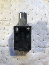 Load image into Gallery viewer, Ingersoll Rand 402-1-a Limit Valve 1/8 Port 150 psi 402 1 A