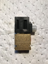 Load image into Gallery viewer, Vickers Eaton Valve  SV3-10-C-6T-24DG