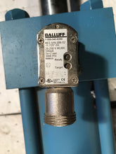 Load image into Gallery viewer, Vickers 3.25x1.75x6.5 Pneumatic Cylinder TZ10GL5NXYHZZVIB Balluff BES 516-200-S2