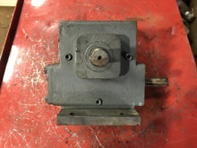 Load image into Gallery viewer, Winsmith D90 Type SE Speed Reducer 917DB 917XDBS062XOA8