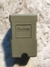 Load image into Gallery viewer, Furnas Electric Pressure Control 69WR 3  69WR3