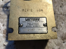 Load image into Gallery viewer, Vickers SV4-10-3-67-1154S cartridge valve and manifold