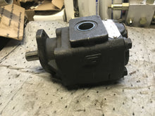 Load image into Gallery viewer, Commercial Intertech M20A894JEAF20-12587 Pump parker 308 5020 004