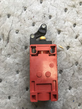 Load image into Gallery viewer, Eaton cutler-hammer E49S71EP7 Limit Switch