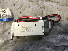 Load image into Gallery viewer, SMC Solenoid Valve SYJ7120-5H-01-F STJ7C95