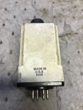 Load image into Gallery viewer, Allen Bradley 700-HV32DA1 Timing Relay