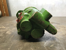 Load image into Gallery viewer, Eaton 26504-LBC gear pump