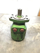 Load image into Gallery viewer, White Hydraulics RE3208020BA4 Hydraulic Motor