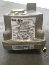 Load image into Gallery viewer, Barksdale Pressure or Vaccum Actuated Switch D1T-A3SS