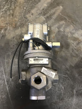 Load image into Gallery viewer, Parker N3552204553 Inline Valve with K065203553 pilot